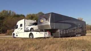 getlinkyoutube.com-RV Hauler Jackknifes with Smart car and 45 Foot 5th wheel