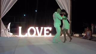 Maroon 5 - 'Sugar' - Devon and Nicole Perri's Wedding Dance - @Devon_Perri