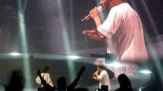 Drake - Take Care (feat. Rihanna) (Live In Paris)
