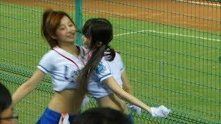 getlinkyoutube.com-VERY HOT DANCE ♥♥♥可愛い♥スゴイ!♥おっぱいがこすれる応援、ダンス♪セックスィーw超超超超SEXY♥振付がエロい!cheer squad in Taiwan