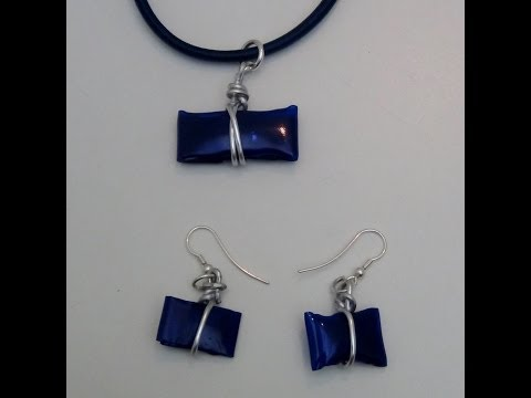 Bisutería reciclando botellas de plástico - Necklace and earrings made with recycled plastic