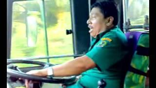 getlinkyoutube.com-Supir lorena menghibur penumpang