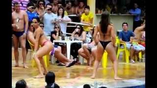 getlinkyoutube.com-gostosa dancando na piscina hds