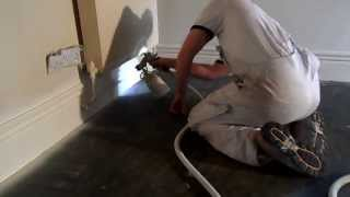 getlinkyoutube.com-HVLP GRACO 9.5 spraying half a litre of Sikkens BL Satura, fist of two coats.