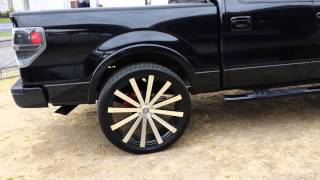 getlinkyoutube.com-Ford F150 fx4 on 28 inch rims 325 35 28