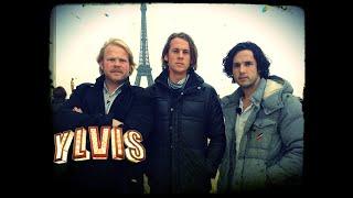 getlinkyoutube.com-Ylvis - Sparker folk i Paris