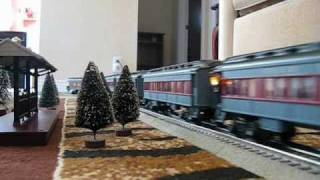 getlinkyoutube.com-Lionel Polar Express & MTH Canadian Pacific