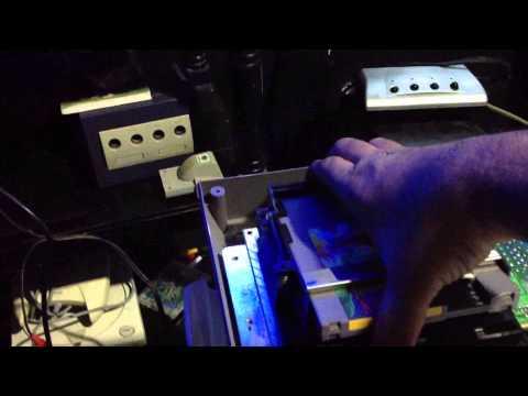 Nintendo NES cargando a la primera despues de mantenimiento.