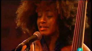 "getlinkyoutube.com-Esperanza Spalding - ""Wild Is The Wind"" (Live in San Sebastian july 23, 2009 - 5/9)"