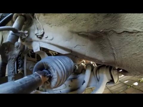 Где у Mazda 2 находится пыльник рулевой рейки