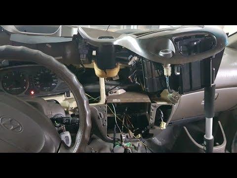 Снимаем центральную консоль Hyundai Starex 2002 4wd