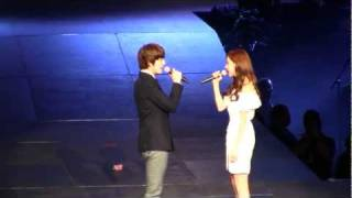 getlinkyoutube.com-SMTown Live NY Seohyun (SNSD Girls Generation) Kyuhyun (SuJu) [111023] [fancam]