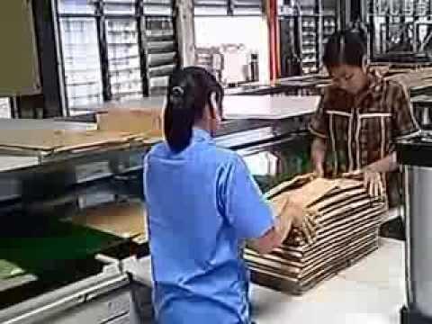 Masina semiautomata de lipit cutii, tip A