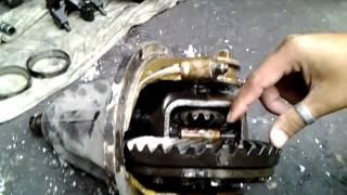 getlinkyoutube.com-SiamRetro ตอนเปลี่ยนเฟืองท้าย Datsun 520 J13 (P2-3)