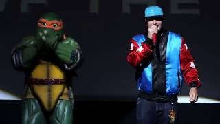 getlinkyoutube.com-Teenage Mutant Ninja Turtles 2 (2016) - Vanilla Ice Premiere Performance - Paramount Pictures