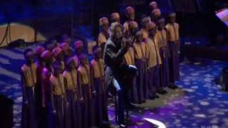 getlinkyoutube.com-AI Josh Groban children choir frm Africa - You Raise Me Up