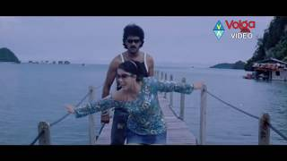 getlinkyoutube.com-Jadugallu Songs - Apple Apple - Upendra, Charmi - HD