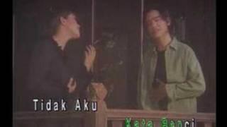 getlinkyoutube.com-Safura & Oney - Jangan Menangis Sayang