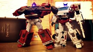 getlinkyoutube.com-Transformers Ironwill and Medic TFC Toys Stop motion