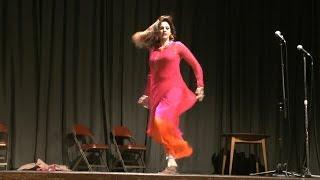 getlinkyoutube.com-Afreen's Excellent Punjabi Stage Drama Dance