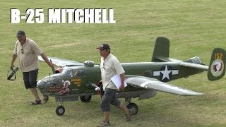 getlinkyoutube.com-GIANT 1/3RD SCALE RC WARBIRD: B-25 MITCHELL BOMBER AT WESTON PARK MODEL AIRSHOW 2014