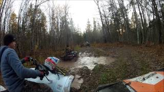 getlinkyoutube.com-Scrambler 1000 mudding and Rincon playing in a river