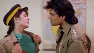 getlinkyoutube.com-Divya Bharti, Sunil Shetty - Romantic Scene 13/24