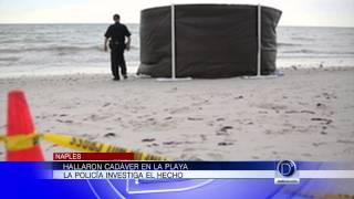 Cadáver en la playa de Naples