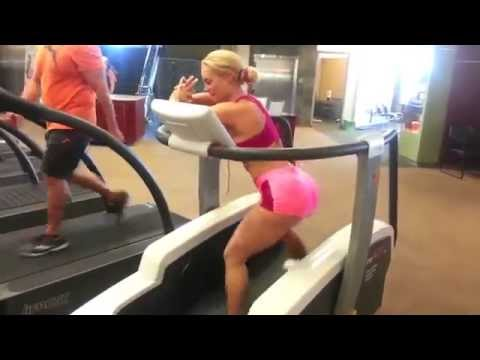 Coco's Booty Workout On Surf Board Machine! @cocoworld