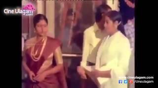 getlinkyoutube.com-27th Film Fare Awards, Rajini To Jayalalitha 1980.- Rare Video