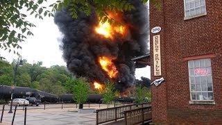 getlinkyoutube.com-Train Wreck/Derailment Fire - Lynchburg, Virginia