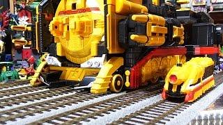 getlinkyoutube.com-よみがえる烈車戦隊 トッキュウジャー 烈車合体 DXハイパーレッシャテイオー & トッキュウレインボー Hyper train