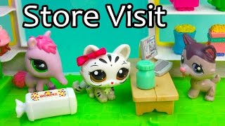 getlinkyoutube.com-LPS Medicine Store Visit - Mommies Part 45 Littlest Pet Shop Series Video Movie LPS Mom Babies