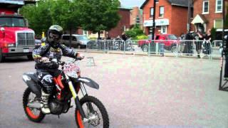 getlinkyoutube.com-KTM Dirtbike Stunts