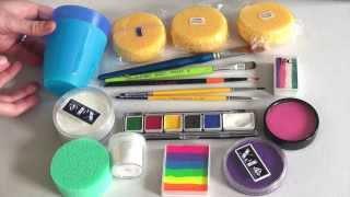 getlinkyoutube.com-Produits essentiels et kit pour débutant - Comment Maquiller Les Enfants 1ère PARTIE