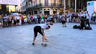 getlinkyoutube.com-Barcelona Street Break Dancers (Sony DSC-RX100)