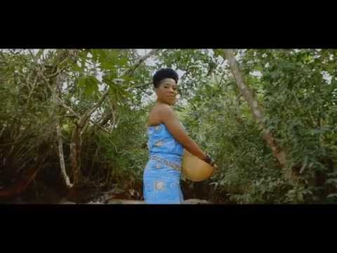 Lady Ponce | Poisson fume Official Video