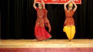 getlinkyoutube.com-Madhuban me kanhaiya kisi gopi se mile dance performance by Rama Dance Academy