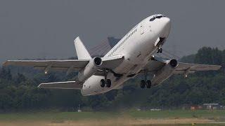 getlinkyoutube.com-Boeing 737 NEW Generation vs. Boeing 737 OLD Generation