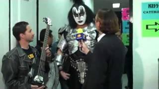 getlinkyoutube.com-KISS GENE SIMMONS MEXICO PLATICA BUENA ONDA CALLATE LA BOCA