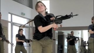 getlinkyoutube.com-Israeli army fitness requirement for cadets (IDF Israel female soldiers women training workout)