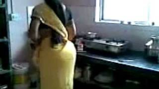 getlinkyoutube.com-Sexiest Desi Aunty Ass in Saari