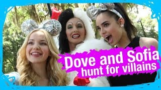 getlinkyoutube.com-Dove Cameron & Sofia Carson on the Hunt for Disney Villains | WDW Best Day Ever