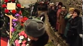 getlinkyoutube.com-Прощание с десантниками 6 роты. 14 марта 2000 года. Вечевая площадь Псковского Кремля