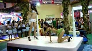 getlinkyoutube.com-05 09 2010 video gai mua cot tai hoi cho cntt 2010 phan 2 only dance house trance techno nonstop and more  336876851