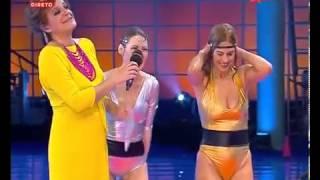 getlinkyoutube.com-Cristina Areia mostra mamilo e Sónia Brazão sexys de biquini no Splash