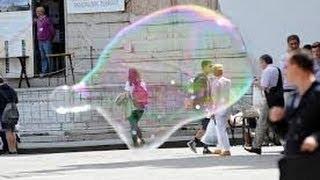 Incredibile bolle di sapone gigantesche