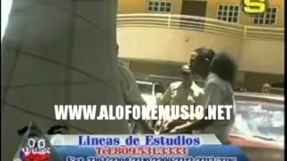 getlinkyoutube.com-Mozart la Para le entra a trompa a un tiguere porque le rayo su jeepeta en medio de una broma!!!