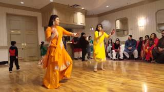 getlinkyoutube.com-Amar & Zehra Mehendi Dance!