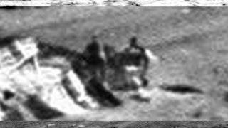 getlinkyoutube.com-Two Figures Check Out Crashed UFO On Mars